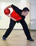 ボウリングで両手投げ?持ち方や投げ方のコツ!ジェイソン・ベルモンテのスコア300動画とwiki【タモリ倶楽部】